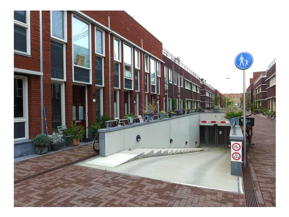 Autofreies Neubaugebiet mit Tiefgarage in Amsterdam